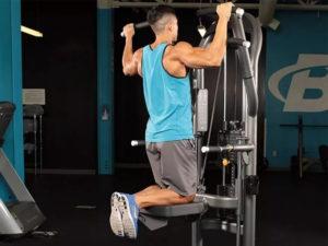 exercícios abdominal equipamento graviton