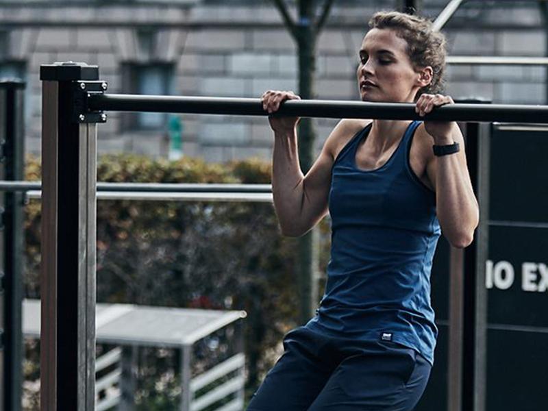 flexões na barra lion fitness