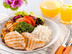 10 alimentos anabólicos para a hipertrofia