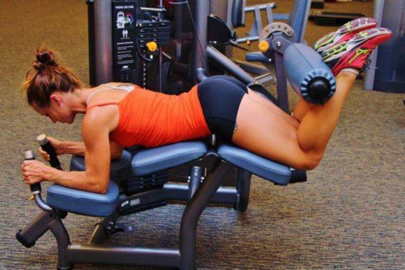 Flexor de perna em academias conheça as variações